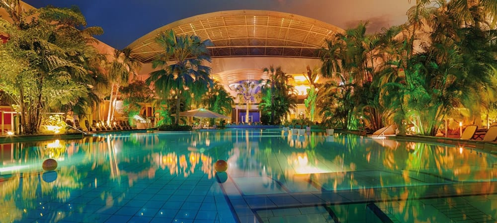 8 Of The World's Best Swimming Pools