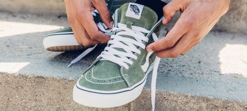 How To Lace Vans Sneakers (The Right Way) | FashionBeans